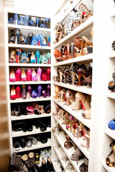 Khloe_Kardashian_Closet-02_4