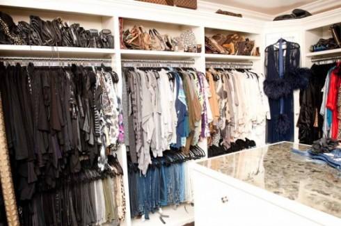 Khloe_Kardashian_Closet-04_4
